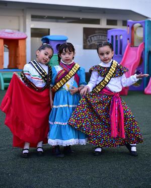 26112018 Jade, Vanessa y Camila.