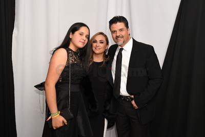 Margarita Solís, Marilú Solís y Gonzalo Espinoza.