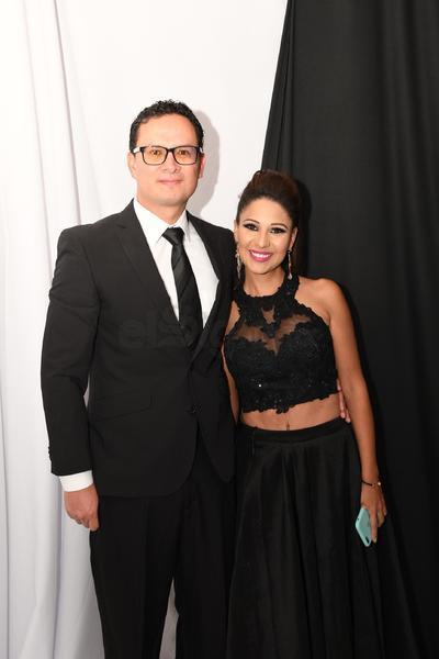 Óscar Macías y Marcela López.