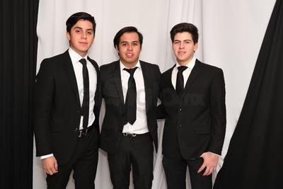 Antonio, Osvaldo y Eduardo.