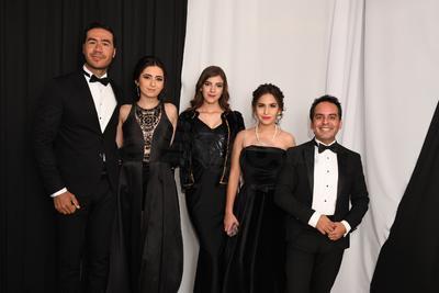Lalo Estrada, Columba Ayala, Paola Rivas, Diana Valencia Trejo y Tito Ávalos.