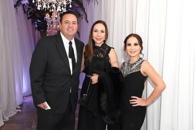 Ignacio Pacheco, Silvia de la Garza y Chela Briones.