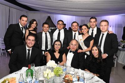 Familia Treviño Velarde y amigos.