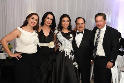 María De la Paz Rincón y familia