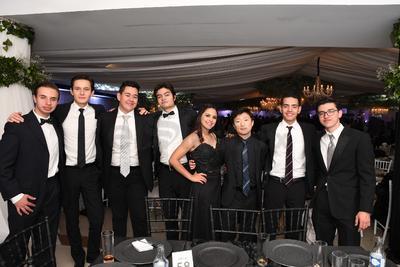 René Flores Vargas, Gerardo Luna, Óscar Cabrales, Jimmy Martínez, Mariel Sifuentes, Nicolás Kim, Erick Alejandro Castro  y Erick Solorio.