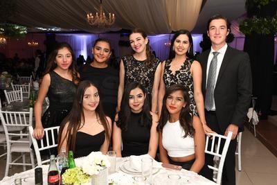 Florencia Casas, Sofía Selene, Galilea Gallegos Poza, Karla Gallegos Pozo, Grecia Gallegos Pozo, Natalia Casas, Ale Cavazos y Jos Casas.