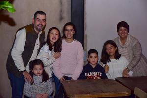 27112018 Gustavo, Jimena, Bárbara, Alejandra, Rodrigo, Regina y Hortensia.