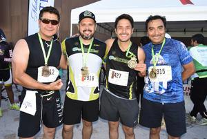 27112018 PARTICIPAN EN CARRERA.  Enrique, Luis, Eddy y Fer.