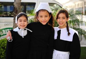 27112018  Ana Sofía, Ximena y Andrea.