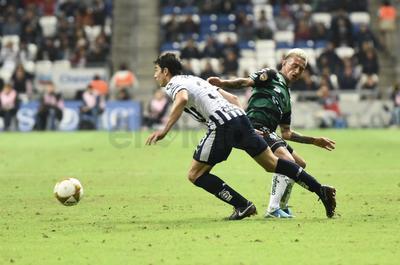 Funes Mori fue el hombre del gol por Monterrey.