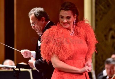 Y si la soprano sorprendió en las dos primeras partes del concierto, el cierre fue contundente.