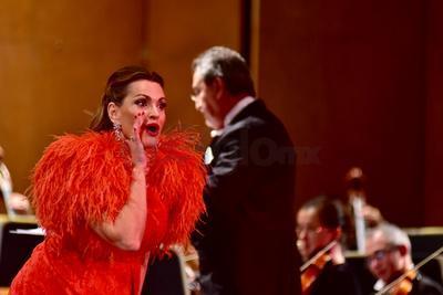 Presumió esa virtud de dominar el fiato, tanto en las canciones populares como en la ópera.