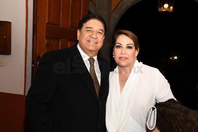 Julián Salvador Reyes y Sra.