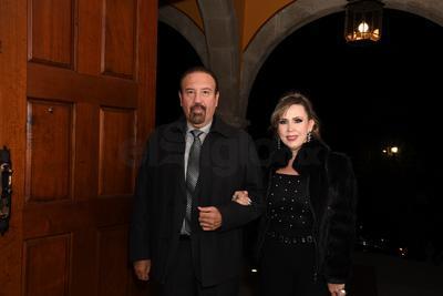 Héctor Vela y Bárbara Chacón.