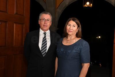 Francisco Casas y Rosa Meza.