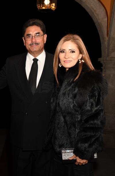 Arnulfo León y Sra.
