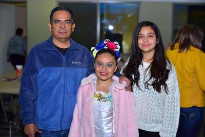 29112018 Roberto, Maritere y Mariana.
