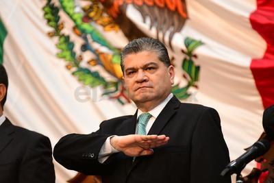 """""""Nunca en nuestra historia se ha logrado un crecimiento tan acelerado para el inicio de una administración estatal"""", afirmó, y se dijo convencido de que """"Coahuila debe crecer con equilibrio"""", por lo que señaló que se han hecho promociones para que las inversiones se diversifiquen y vayan a todas las regiones del estado."""