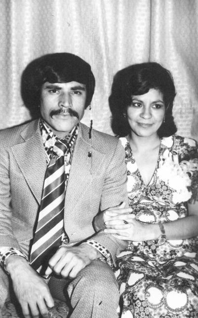 30122018 Roberto y Guille en 1974.