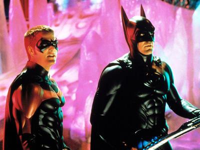 Chris O'donnell – Batman y Robin  Este actor traía consigo mucha fama y proyectos de éxito para cuando aceptó participar en esta cinta de superhéroes. Un filme de estas dimensiones no tenía por qué salir mal, hasta que la gente vio el resultado y consideró a la cuarta película de la saga un verdadero desastre. Y la fama de Chris se fue en picada.