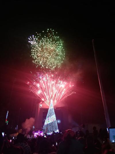 Iniciaron oficialmente los festejos navideños en la ciudad y en el resto del Estado de Coahuila.