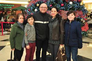 02122018 Graciela, Anton, Antonio, Sandra y Galia.