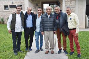 02122018 EN FAMILIA.  Héctor, Marcel, Salvador, Enrique, Gerardo y Salvador.
