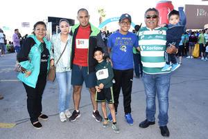 03122018 EN CARRERA ATLéTICA.  Laura, Juanis, Toby, Diego, Rafa, Darío y Axel.