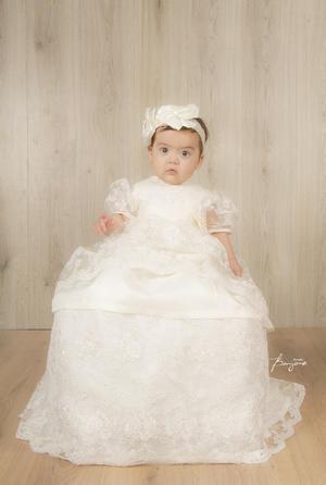 02122018 La pequeña Hania recibió recientemente el sacramento del bautismo.- Benjamín Estudio