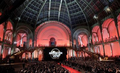La gala por el Balón de Oro se llevó a cabo en París.