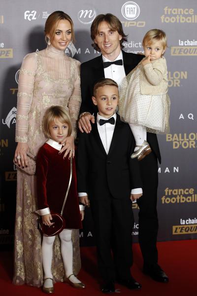 Modric sintió el arropo de su familia en la previa a ganar el Balón de Oro.