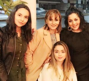 04122018 MAMáS E HIJAS.  Paty Rueda con Marissa Mota y Alejandra R de la Peña con Elexa Nuñez.