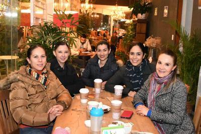 Vilma Vázquez, Aurora Contreras, Deisy Olivas, Silvia Márquez y Jazmín Moreno.