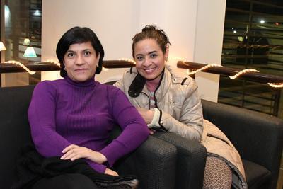 Elvia Martínez y Nora González.