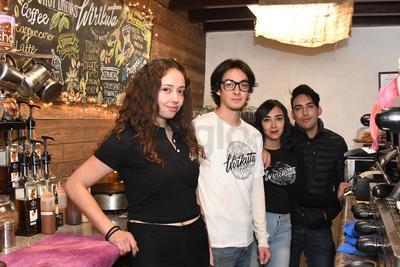 Karime Sandoval, Adolfo Corral, Ilse Almeraz y Alejandro Ron.