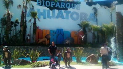 06122018 Francisco con sus hijos en el Zoológico de Durango
