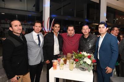 Mario Hernández, Ramón Uribe, Jonathan Flores, Carlos Rodríguez, Víctor Parra y Hernán Ibarra.