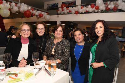 Rosa María Mendivil, Silvia Ruíz Gorjón, Rebeca de la Peña, Lorena Hernández y Gina Campuzano.