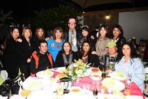 Eduardo, Esperanza, Juan Manuel, Cecy, Alejandra, Ana, Juan, Adela, Masabel, Rosario, Patricia, Edith y Gaby