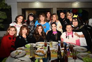 Liza, Linda, Edith, Geno, Hortencia, Claudia, Gaby, Norma, Adriana, Ana Claudia y Poti