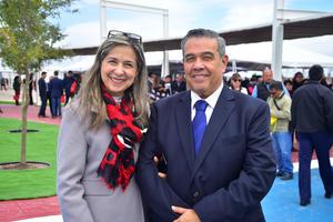 Elizabeth y Roberto Carmona