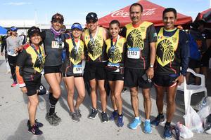 Claudia, Brenda, Karen, Dylan, Paty, Ernesto e Ismael
