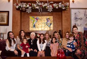 Deneb, Emma, Paola, Alicia, Sofi, Kitty, Scarlett, Scarlett, Mayela, Jack y Brenda