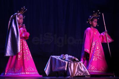 En el espectáculo fusionaron la danza, la música, el canto, la poesía y el teatro.