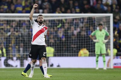 Pratto marcó en la ida y la vuelta de la final por la Copa Libertadores.