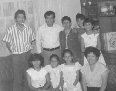 09122018 Familia Martínez Fernández en un convivio hace varias décadas.