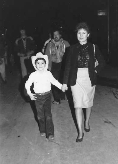 09122018 Niño Osvaldo Neri Martínez peregrinando en compañía de su mamá, hace 35 años, con la empresa Purina.