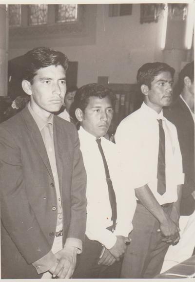 09122018 Jesús Gallegos, Isidro Niño y Amalio Domínguez (f), hace 48 años, el día de su graduación.