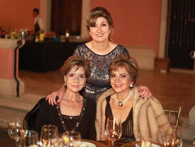Cristina Urquidi, Martha Aguilera y Elizabeth Aguirre.
