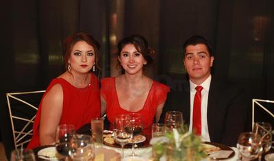 Isela Galaviz, Cristina Soria y Adrian Cussin.